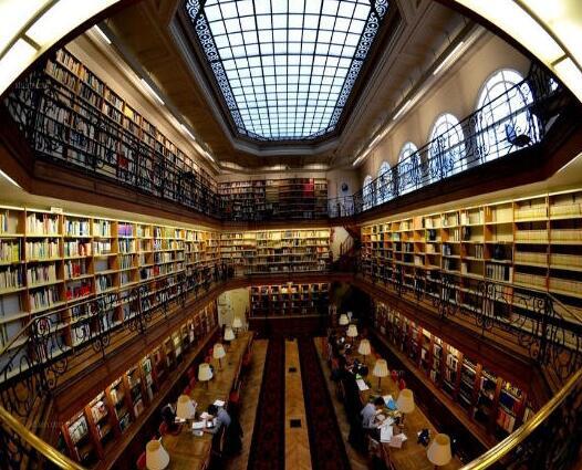 图书馆要怎么改革才会吸引人群?