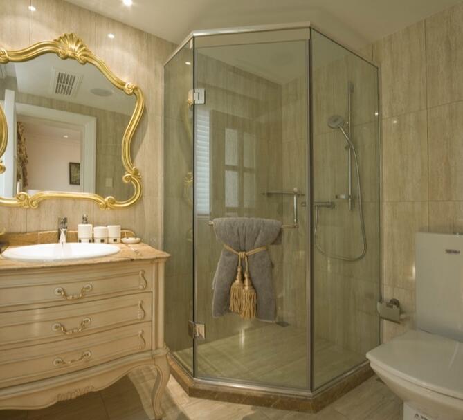 卫生间的镜子要买多高的?