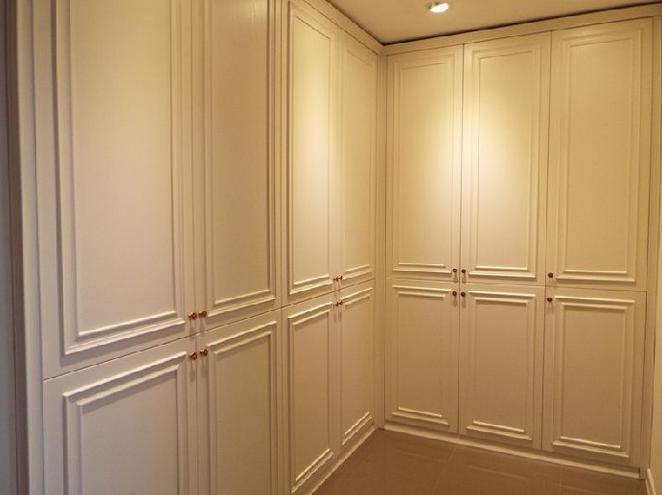索菲亚衣柜和博洛尼的衣柜哪家好?