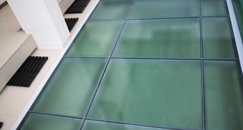 玻璃地板谁家有用过吗?