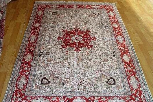真丝地毯好用吗?