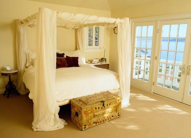 木头床好还是铁艺床好?