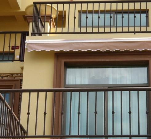 阳台不锈钢护栏多少钱一米?