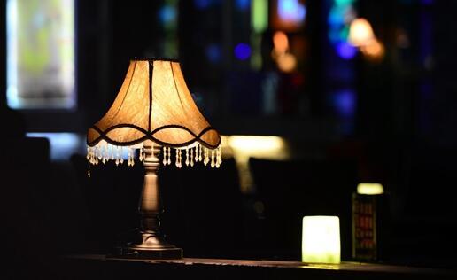 书房的灯光有什么要求?