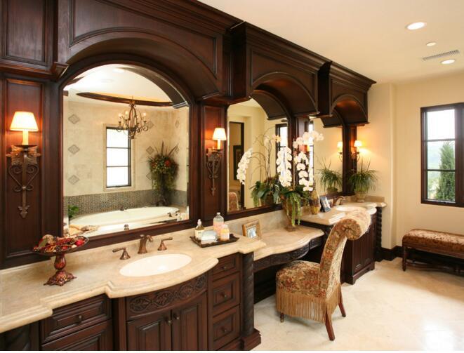 浴室里面的镜子正对着卫生间的门有碍吗?