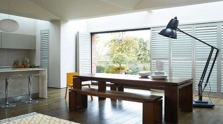 百叶窗使用铁的好还是木质的?