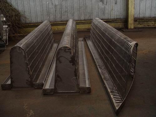 填料支撑板大多数使用的是什么材质?