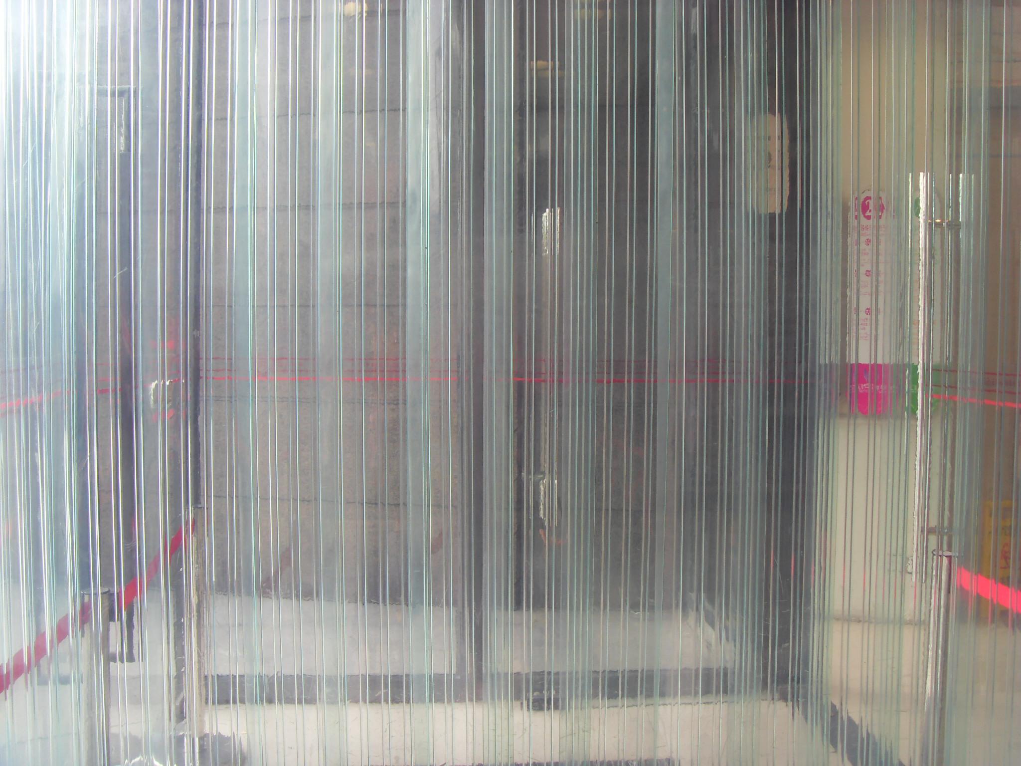pvc透明软门帘的价格贵吗?