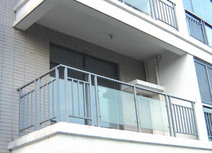 常见的阳台护栏高度是多少?