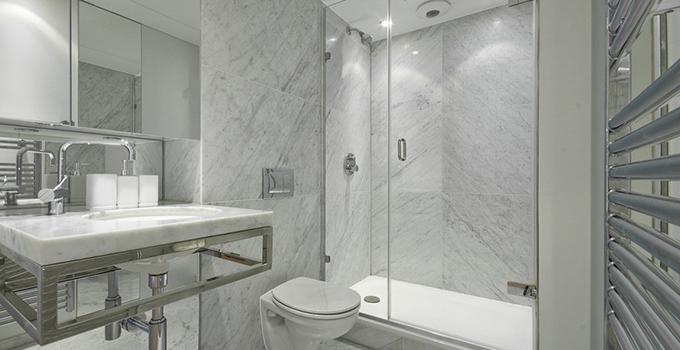 卫生间和厨房使用的瓷砖尺寸规格是一样的吗?