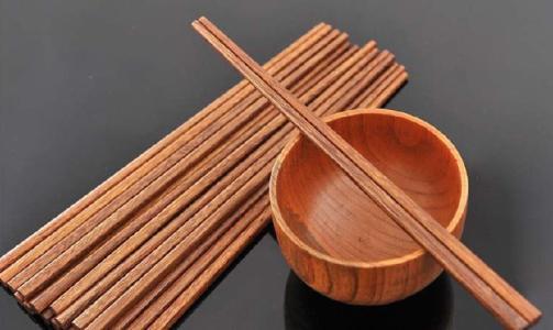 谁可以讲讲木头筷子发霉怎样去除