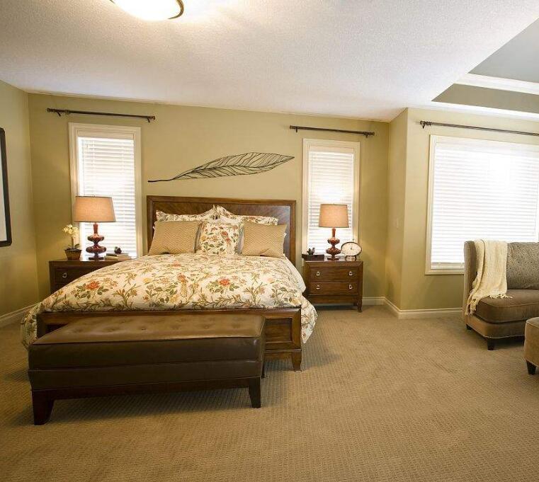 大卧室怎么设计 卧室太大怎么布置 卧室面积过大如何补救