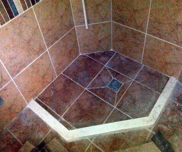 淋浴房地漏
