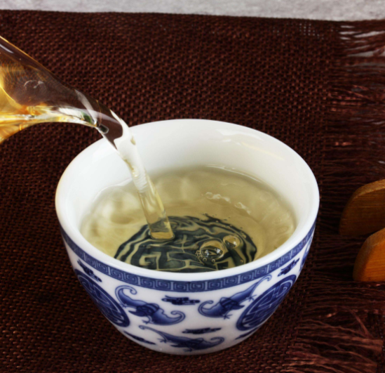 蒲公英泡水喝祛痘�� 蒲公英茶哪■些人不易喝 蒲公英茶◎的功效�c作用