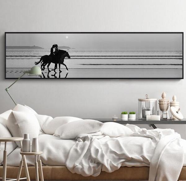 床头墙装饰画挂什么好 卧室床头装饰画的讲究 卧室床头挂画风水禁忌