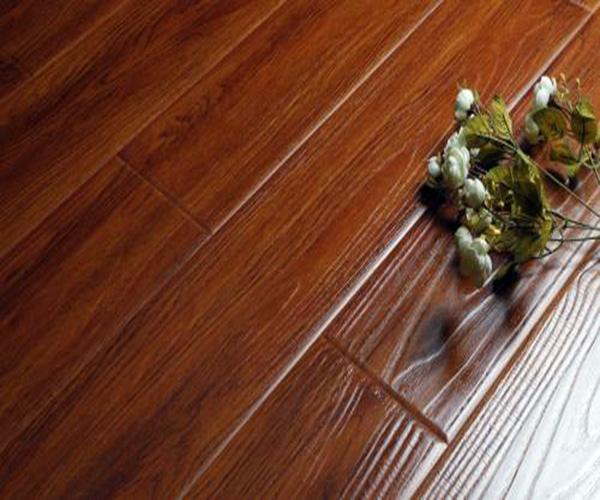 强化复合地板好不好 强化地板和复合地板的区别 强化复合地板哪个好