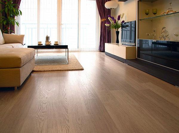 强化地板和复合地板