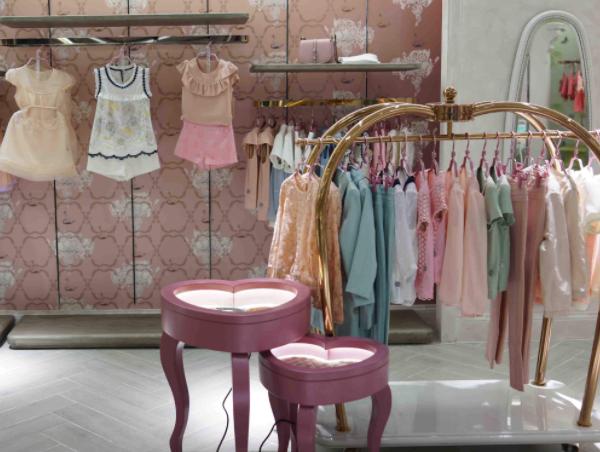 小型服装店如何装修 小型服装店装修风格设计 小型服装店装修多少钱