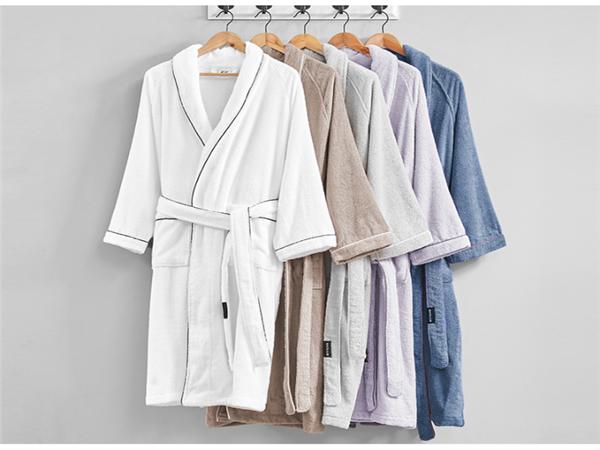 浴袍怎么使用 浴袍和睡袍有什么区别 浴袍什么材质好
