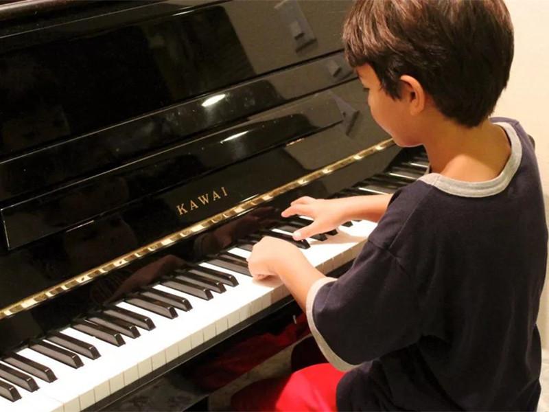 十种不适合学钢琴的人 学钢琴的最佳年龄 学钢琴的最晚年龄