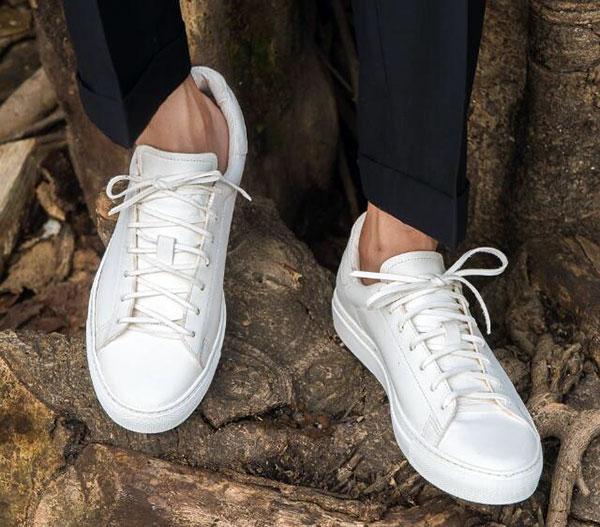 白鞋子发黄有什么办法变白 鞋边发黄怎么变白妙招 小白鞋的快速清洗方法