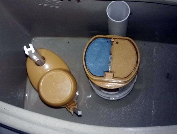 抽水马桶水位
