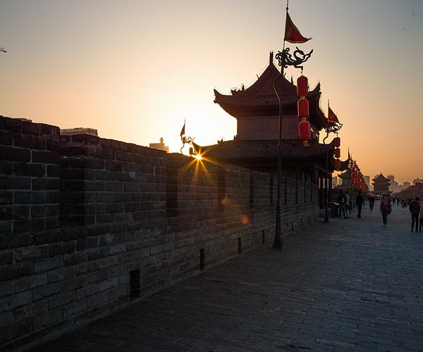 西安城墙历史简介 西安城墙一圈多少公里 西安城墙旅游攻略