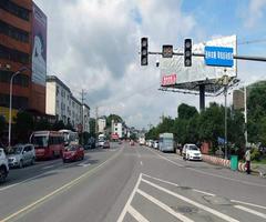 红绿灯路口