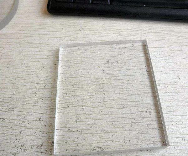 亚克力板多少钱一平米 亚克力板怎么切割 亚克力板用什么胶水粘