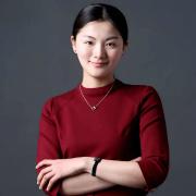 雅(ya)騰裝飾企(qi)業設(she)計師丁(ding)薇薇