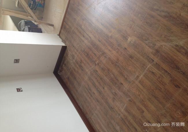 铺木地板,安装门板