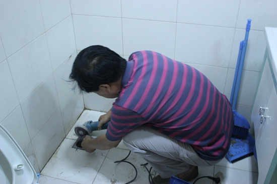 地漏安装步骤2