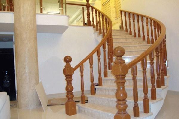 楼梯木扶手安装