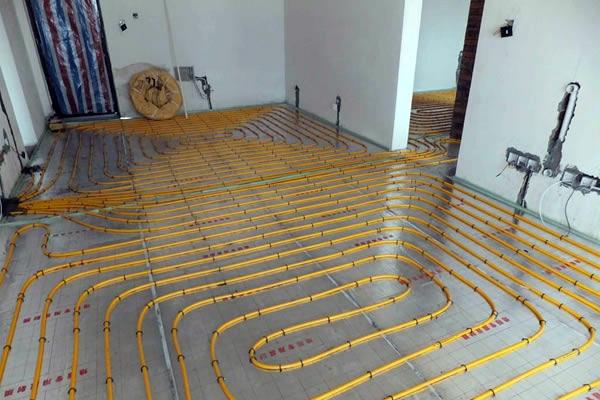地暖安装价格影响因素及安装施工流程