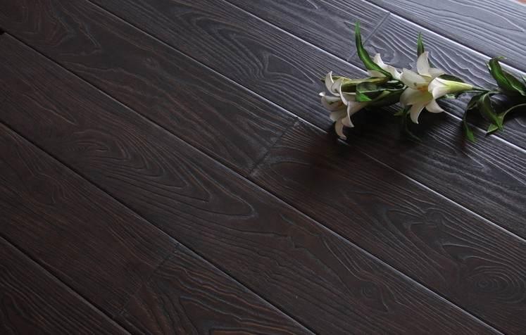家装地板品牌哪家好?栎木地板怎么样