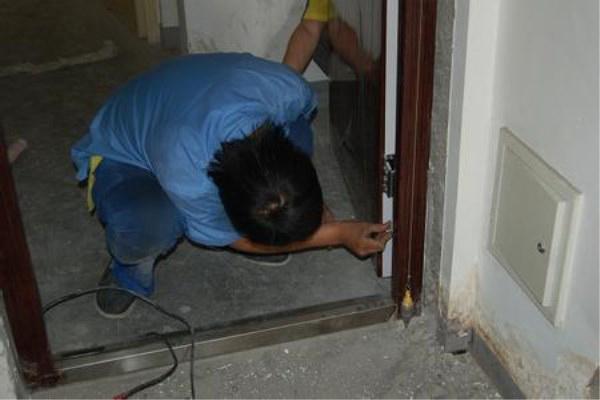 安装防盗门方法详细讲解