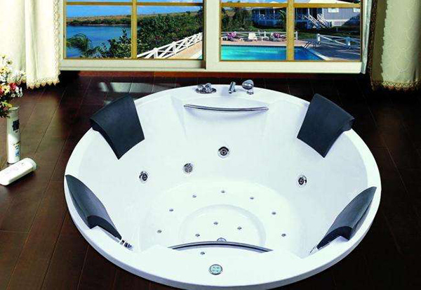 按摩浴缸安装