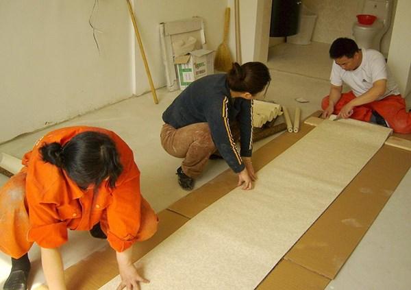 铺贴壁纸的正确方法流程详细介绍