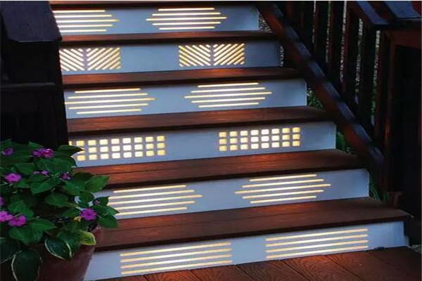 楼梯面安装射灯
