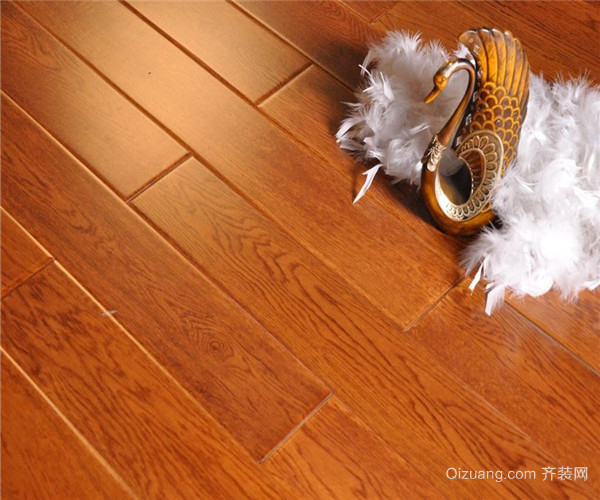 让地板洁净如新  对于表面刷漆的软木地板其保养同