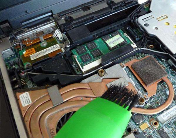 笔记本电脑除尘