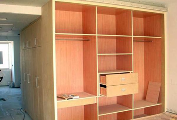 木质家具外观的平整度