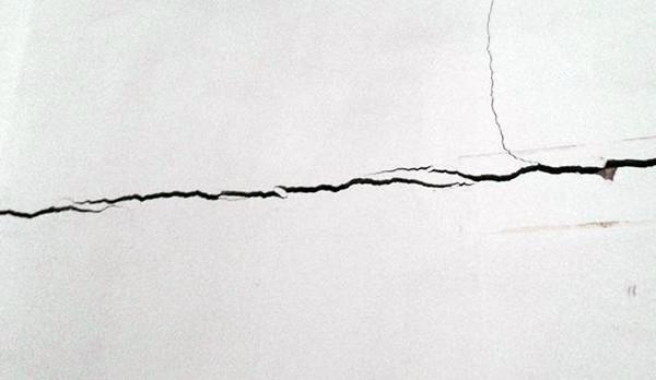 墙体裂缝原因分析
