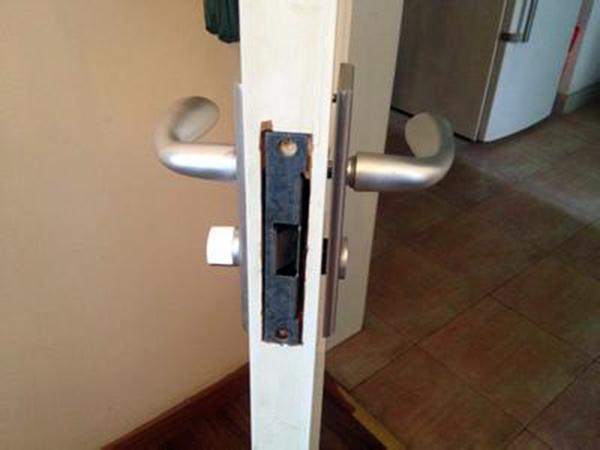 门锁坏了怎么办