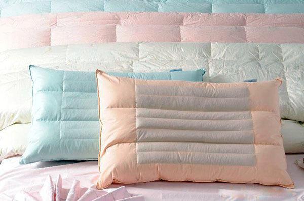 清洗羽绒枕