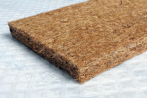 晾晒椰棕床垫