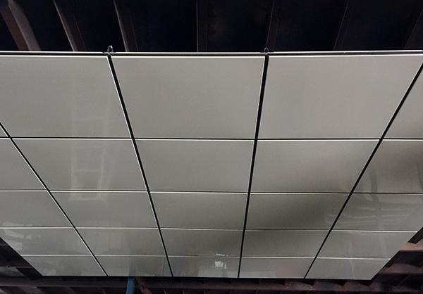 天花板装修安全须谨慎
