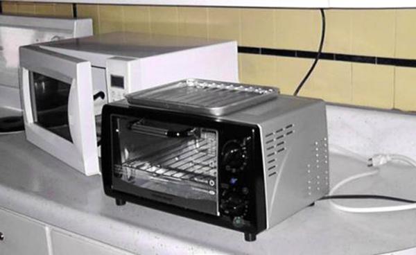 电烤箱与微波炉的区别