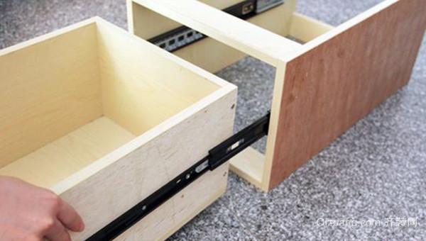橱柜滑轨安装方法
