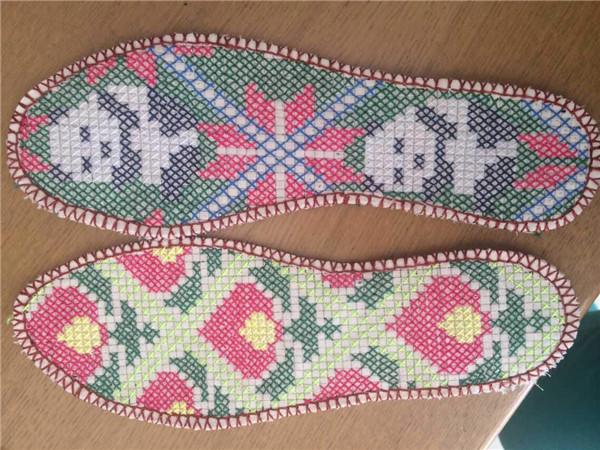 十字绣鞋垫绣法